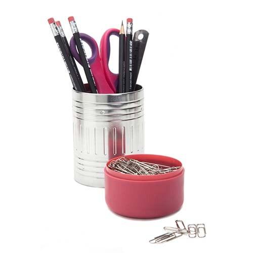 מתקן לכלי כתיבה ורוד סוף העיפרון