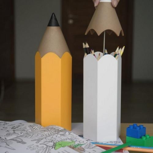 מעמד לכלי כתיבה בצורת עפרון צהוב - QUALY