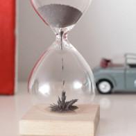 שעון חול מגנטי Kikkerland