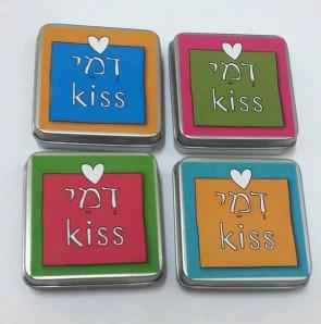 דמי כיס - קופסת פח עם מטבעות שוקולד לחנוכה