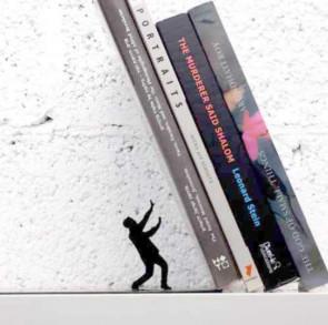 תומך ספרים מקסים- איש מחזיק