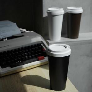 פח קטן המעוצב ככוס קפה - שחור QUALY